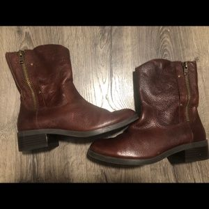 Jessica Simpson Toots Boots 8.5